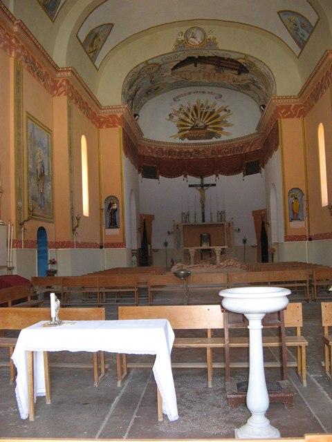 ostrov-pyanoza-остров-пьяноза-внутри-церкви