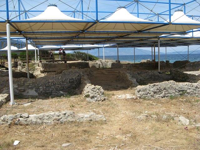 Остатки виллы Агриппы Постума на острове Пьяноза
