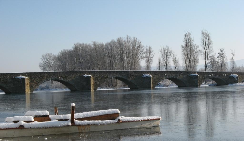 мост Бурано возле Ареццо зимой