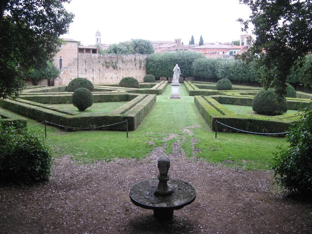 Типичный средневековый парк