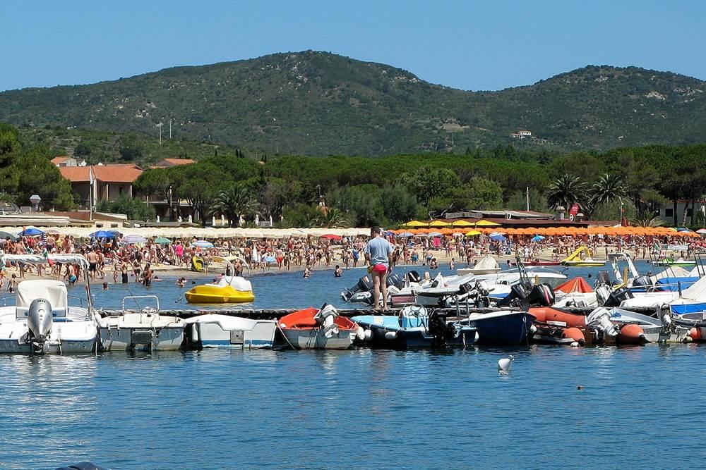 Порт в Марина ди Кампо