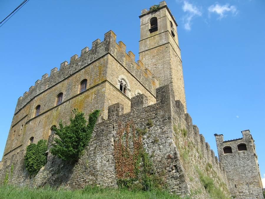 Замок в Поппи
