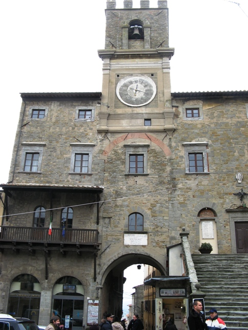 кортона - башня с часами