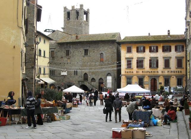 антикварный рыное в Кортоне