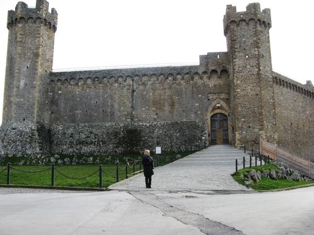 крепость в Монтальчино