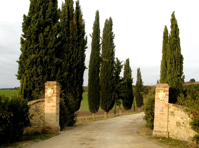 въезд в имение Фрескобальди