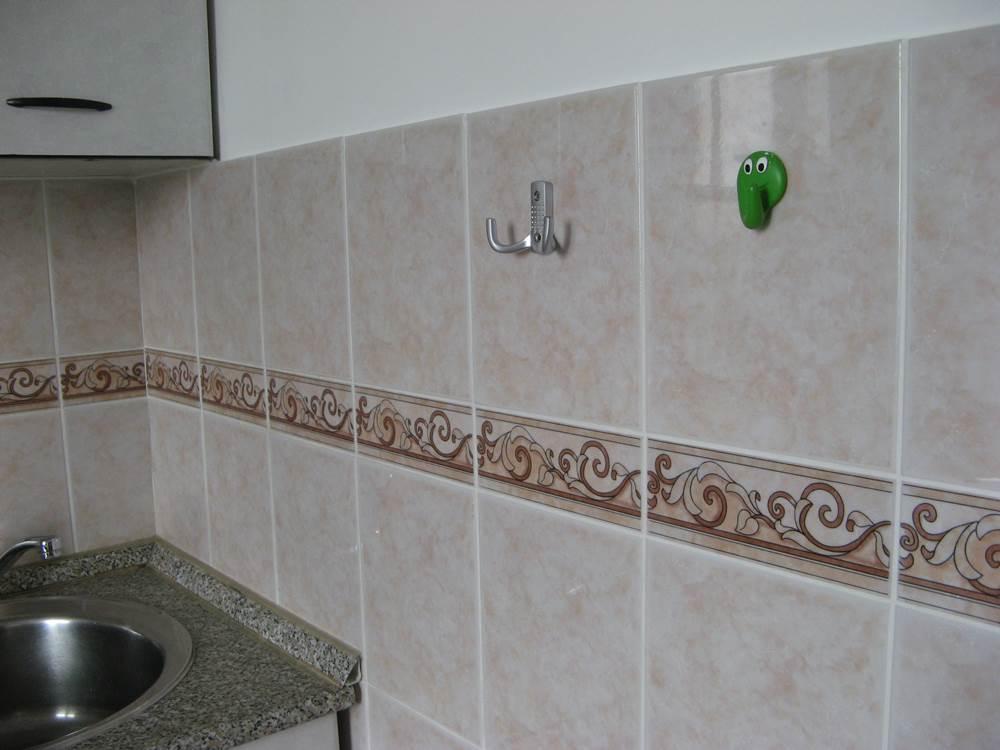 крючки на кухне и в ванной