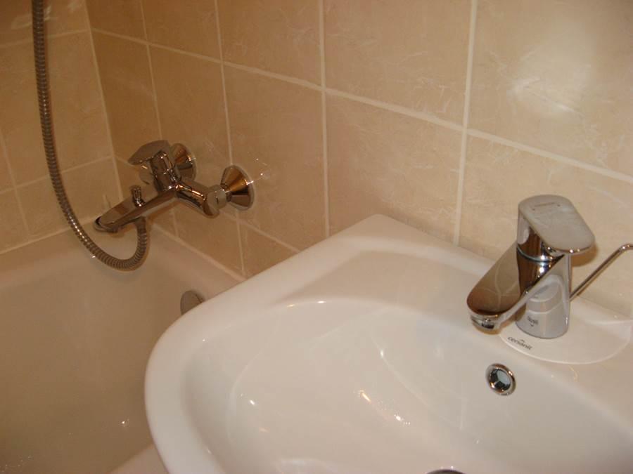 ванная комната в однокомнатной под аренду