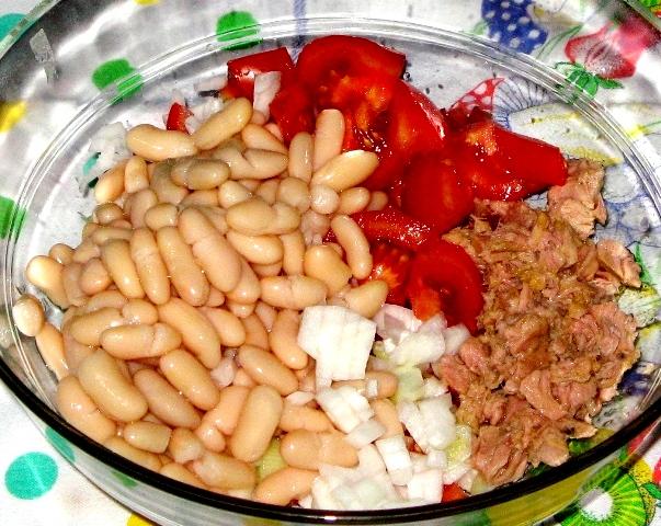 salat-s-fasolyu-салат-с-фасолью