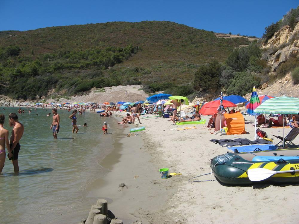 пляж Лаконелла на острове Эльба в Италии