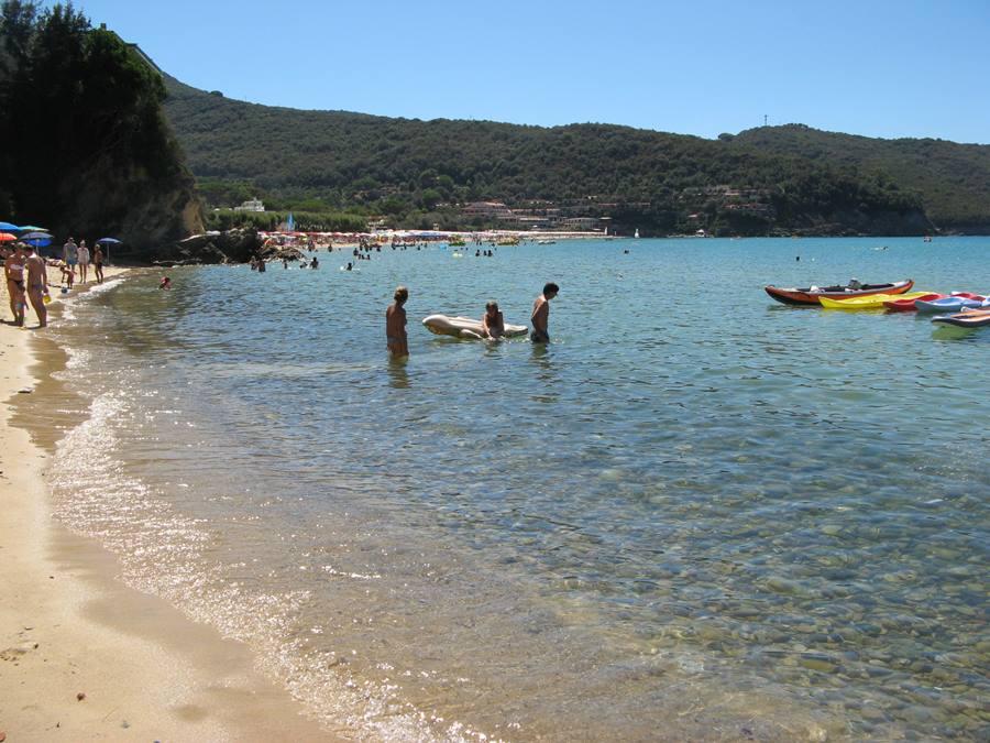 Вид на пляж Бьёдола со Скальери