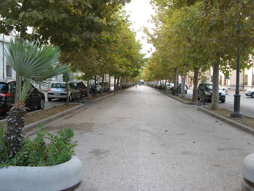 аллея в Портоферрайо
