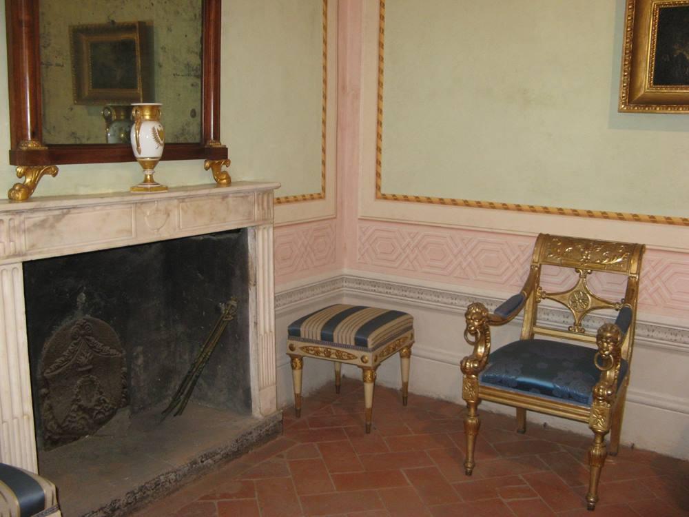 Камин в салоне Наполеона