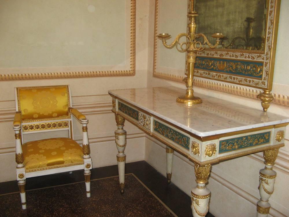 Комната во дворце Мулини