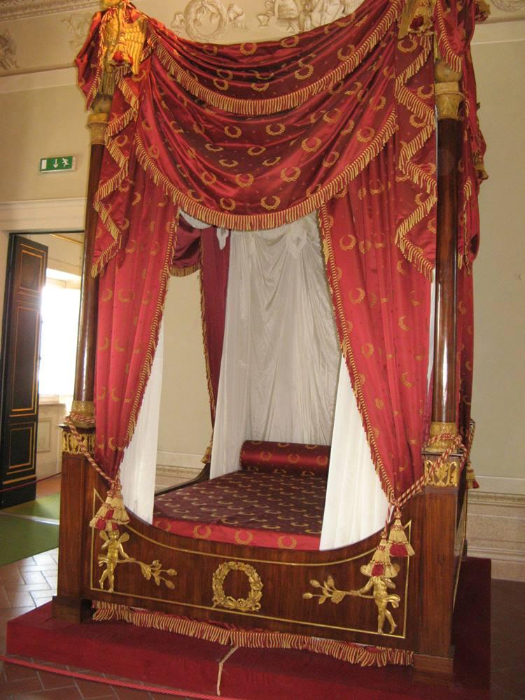 кровать Наполеона
