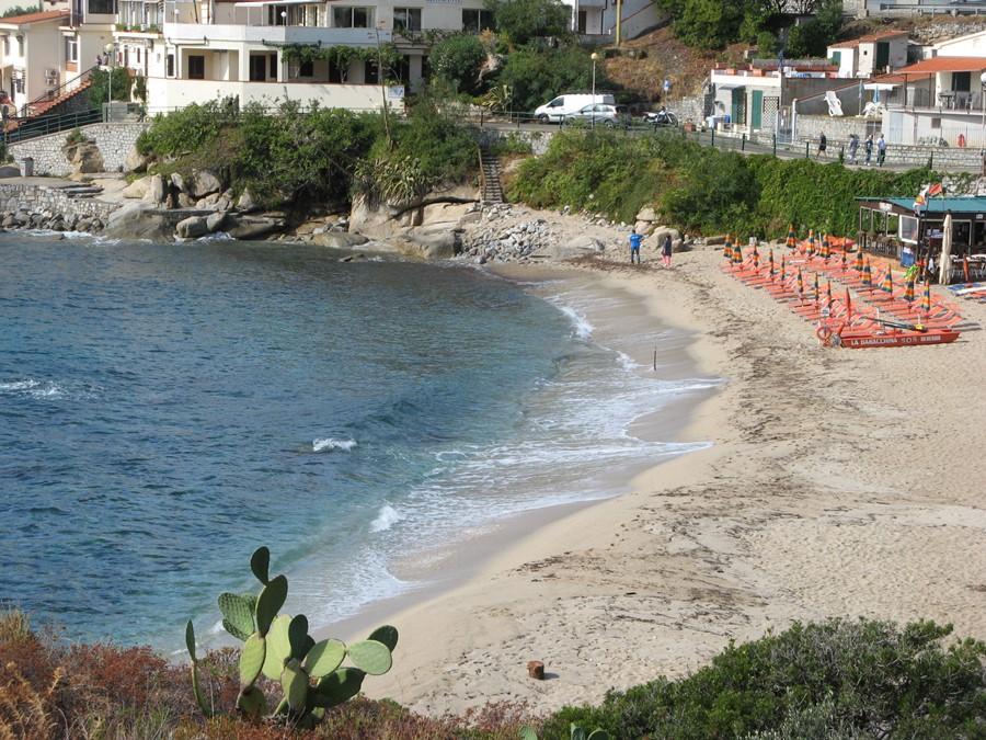 песчаный пляж Секкето