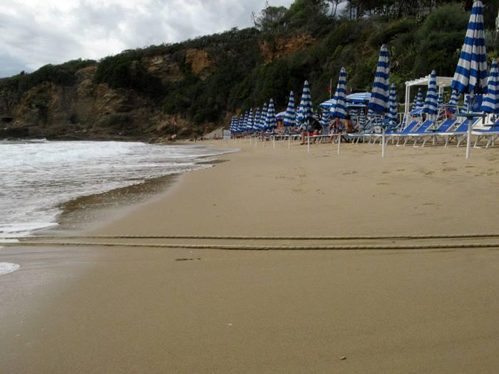 на пляже Лидо ди Каполивери на Эльбе