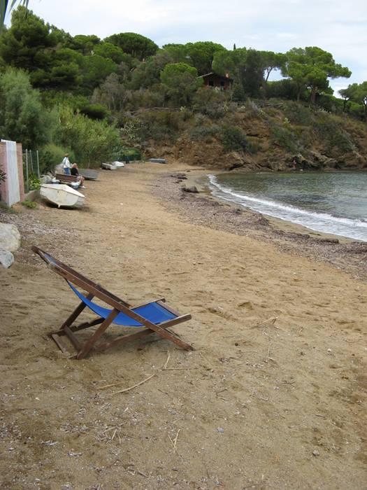 кресло на пляже Стракколиньо