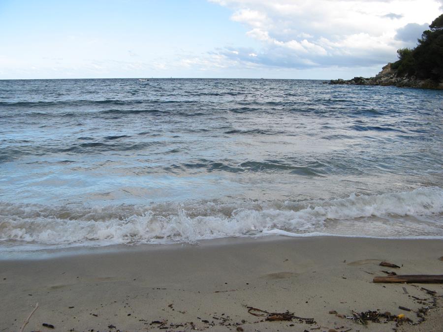 море в сентябре, пляж Спартая
