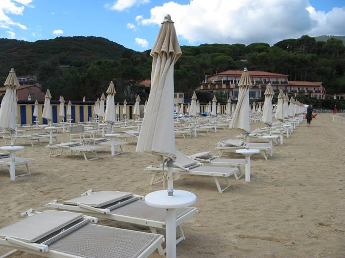 комфортный пляж Проккьо