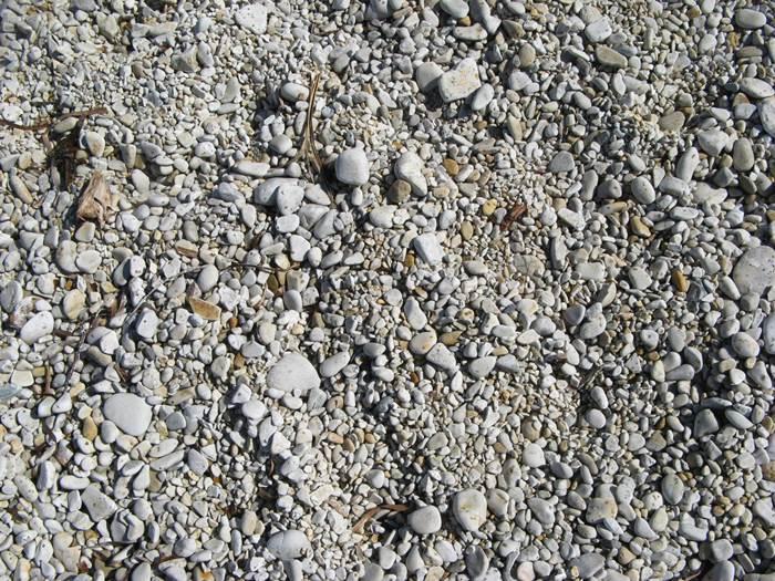 галька с песком на пляже Сордженте на острове Эльба