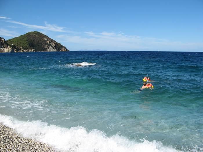 море в районе пляжа Сордженте