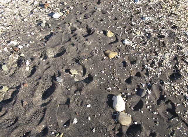пляж Канелло - песок серого цвета