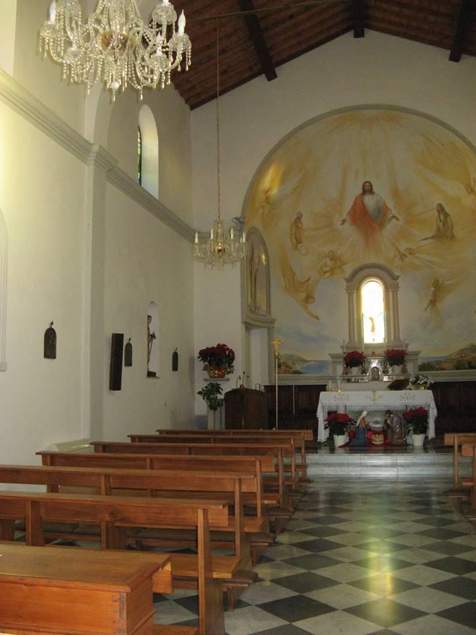 внутреннее убранство церкви в Помонте