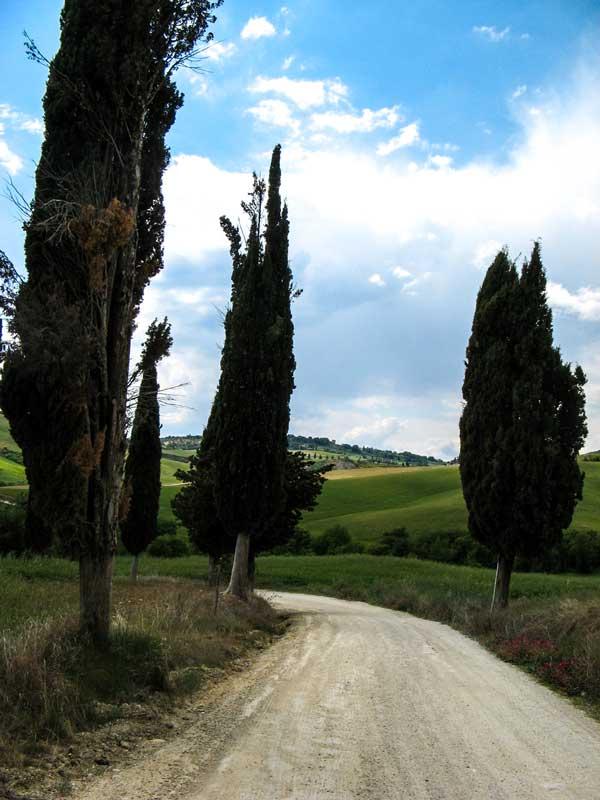 просёлочная дорога в Тоскане, валь д Орча, Монтикиелло