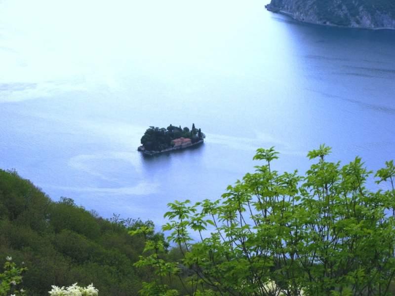 ostrov-san-paolo-v-ozere-izeo - остров Сан Паоло на Изео