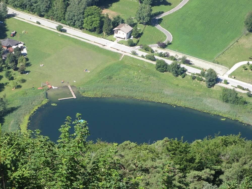 Вид на озеро Лаголо с высоты