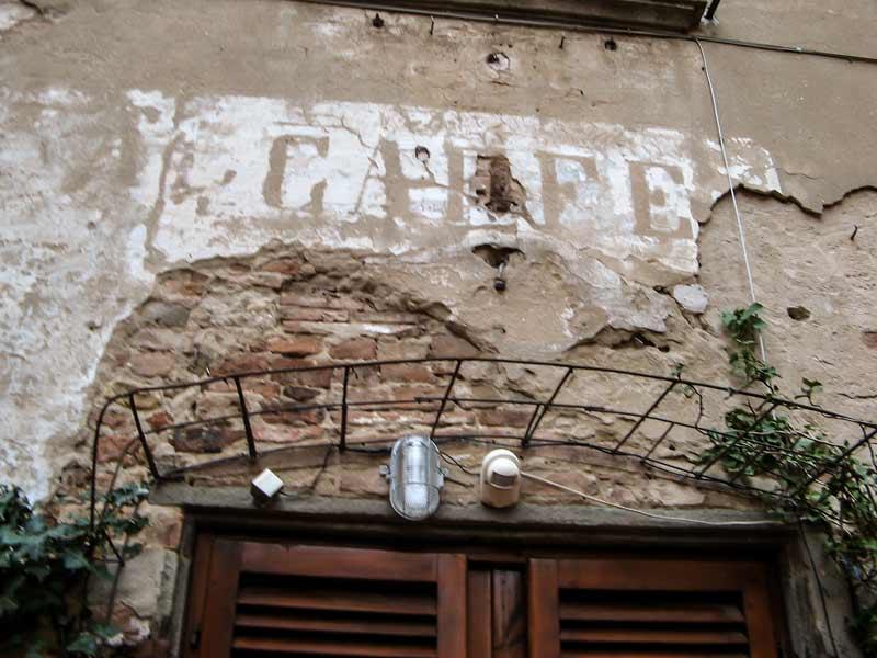 Бывшее кафе в Чертальдо. Сегодня квартира