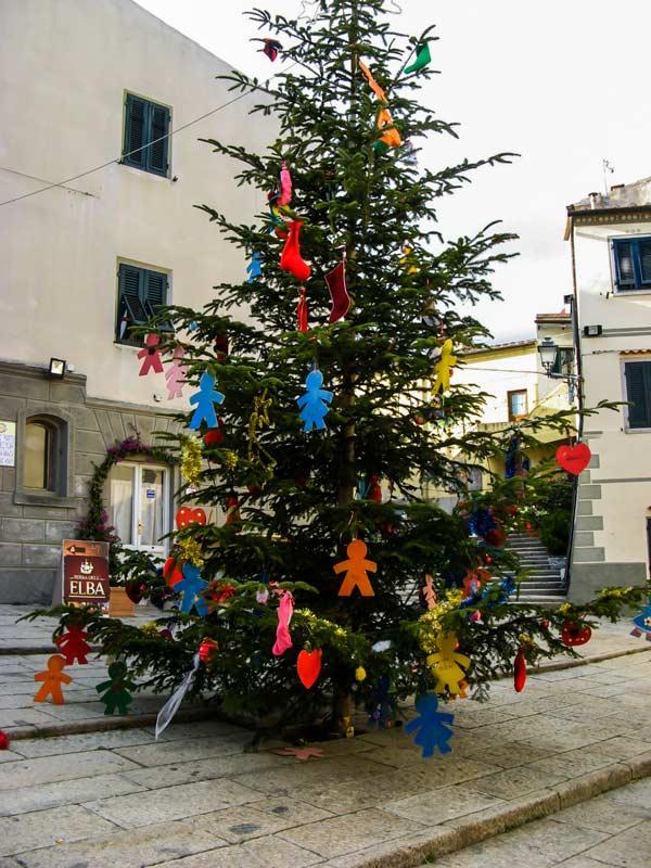 рождественская ёлка в Сан Пьеро