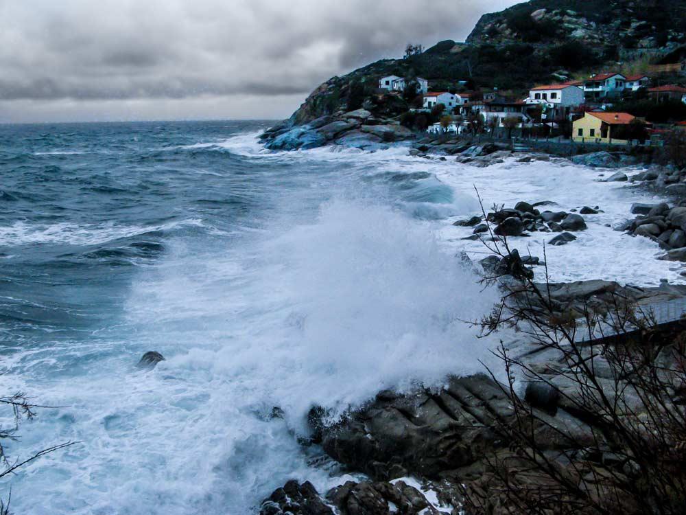 Тоскана, остров Эльба, шторм в Тиррентском море