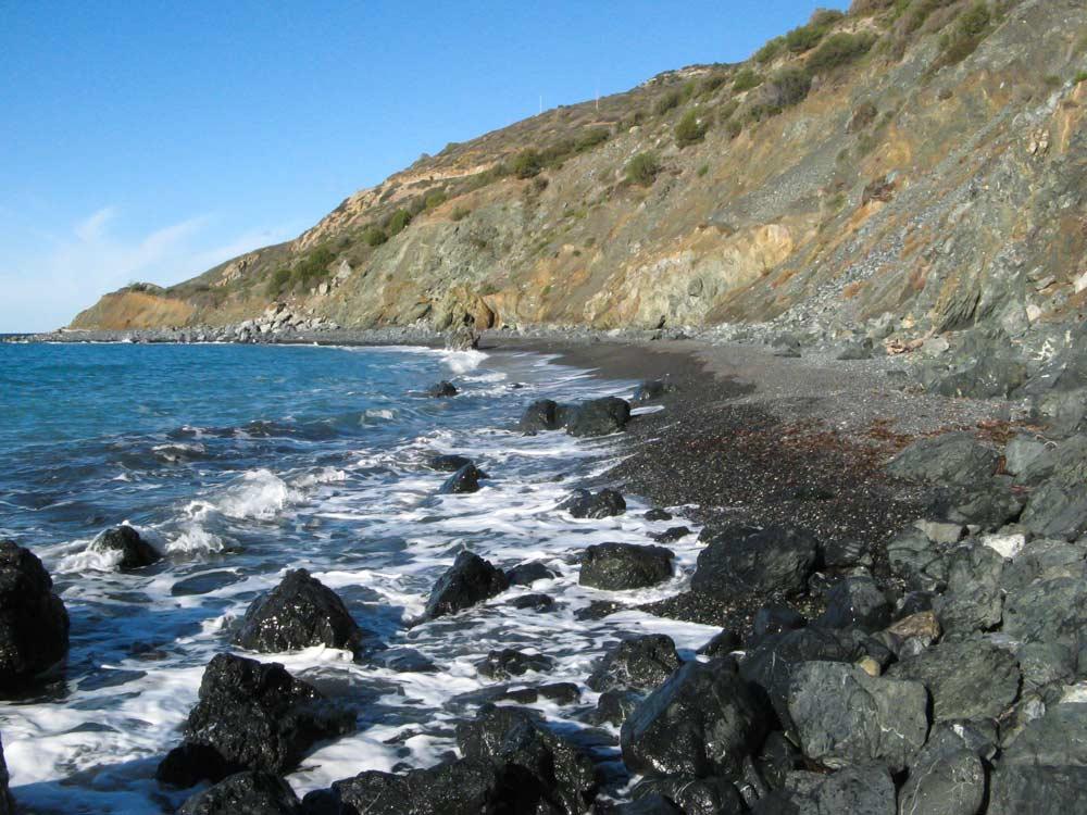 правая часть пляжа Джардино, если стоять лицом к морю