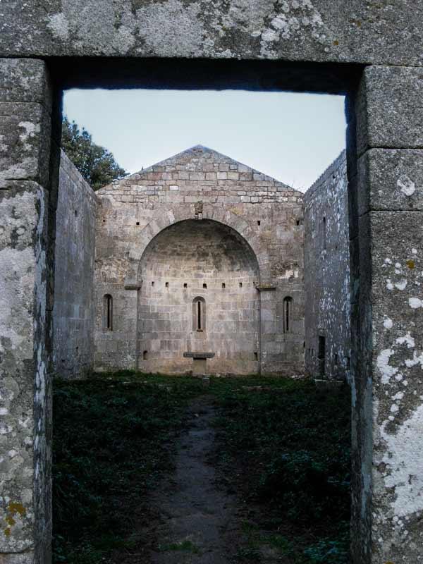 церковь 13 века по дороге к Монте Пероне
