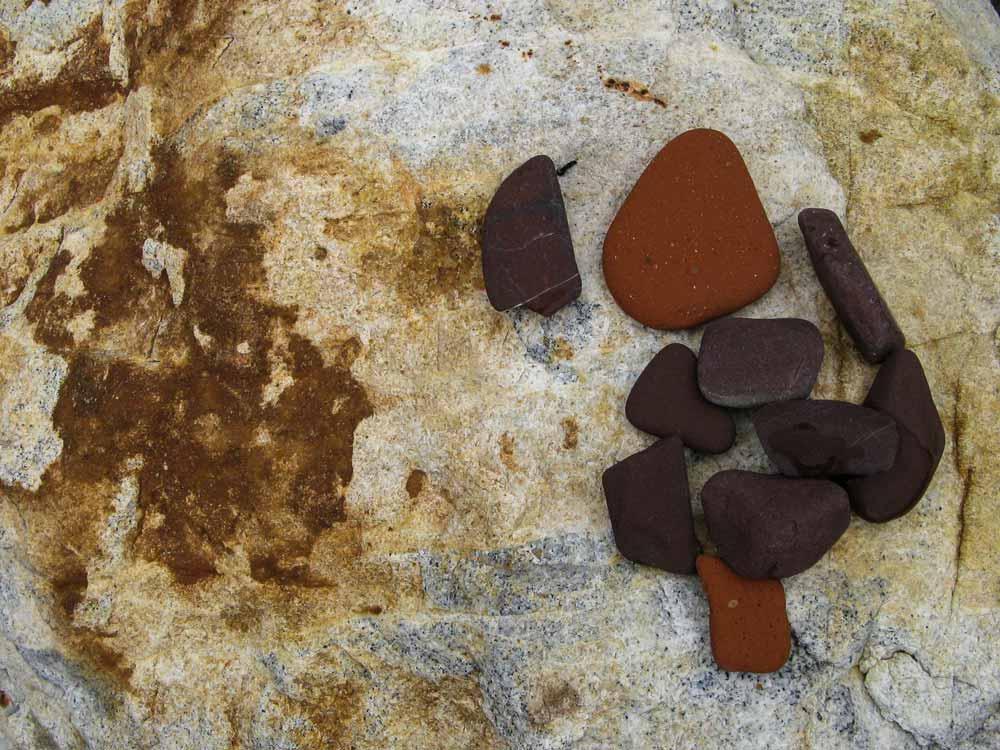 цветные камешки с пляжа Реале на Эльбе