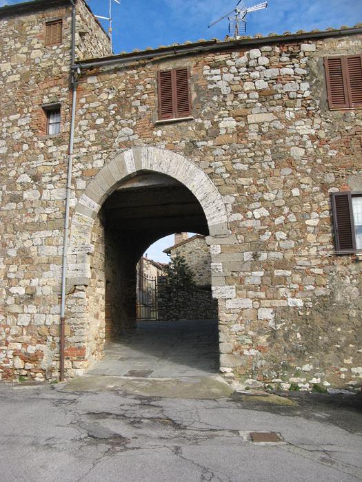вход в Кастильон д Орча