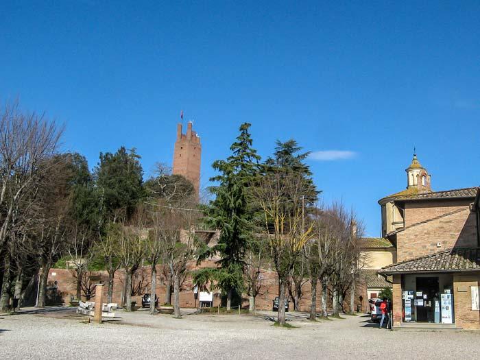 Сан Миниато: вид на башню Фридриха