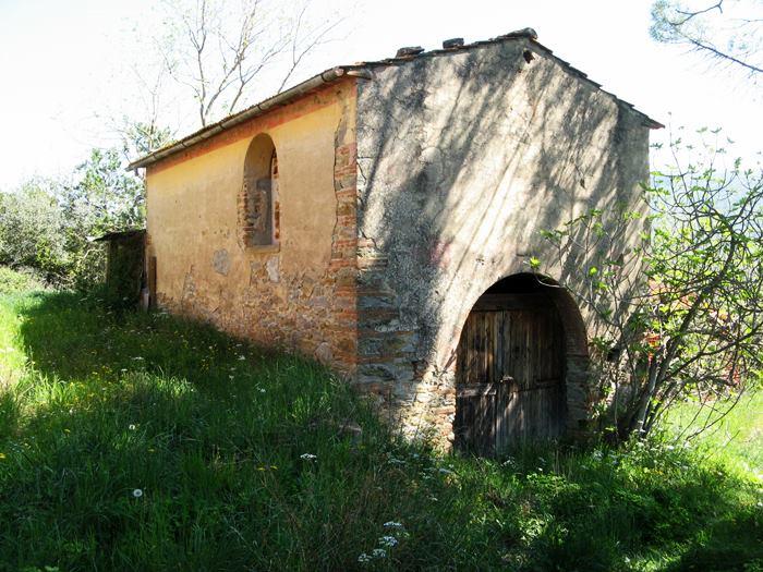 постройка возле основного дома в Италии