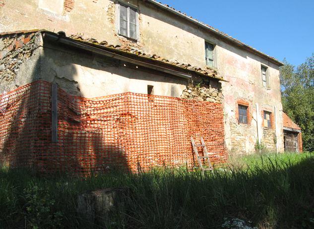 брошенный дом в Италии