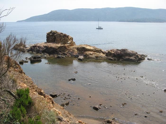 скала подводная лодка