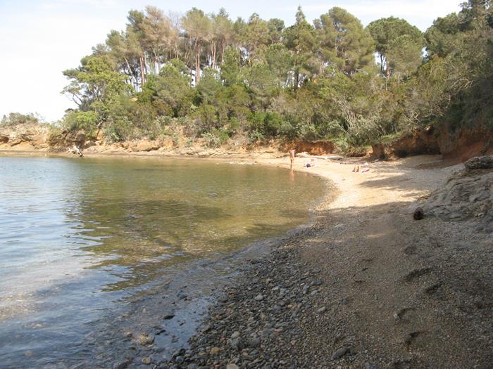 Феррато: правая част пляжа, если стоять лицом к морю