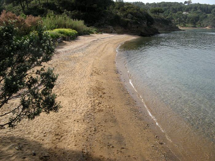 Вид на втлевую часть пляжа Феррато