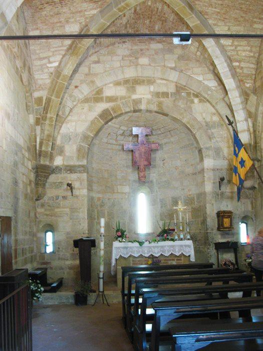 Сан Джовани д'Ассо внутреннее убранство церкви Сан Пьетро