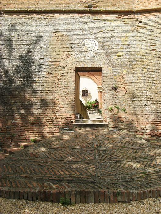 вход в замок для всадников