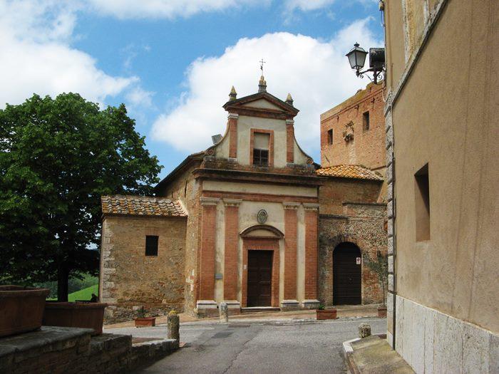 Сан Джовани д'Ассо - вид на церковь Мизерикордия