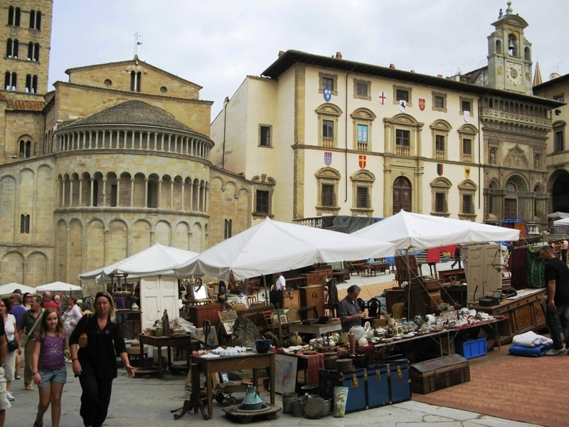 уголок Главной площади в Ареццо