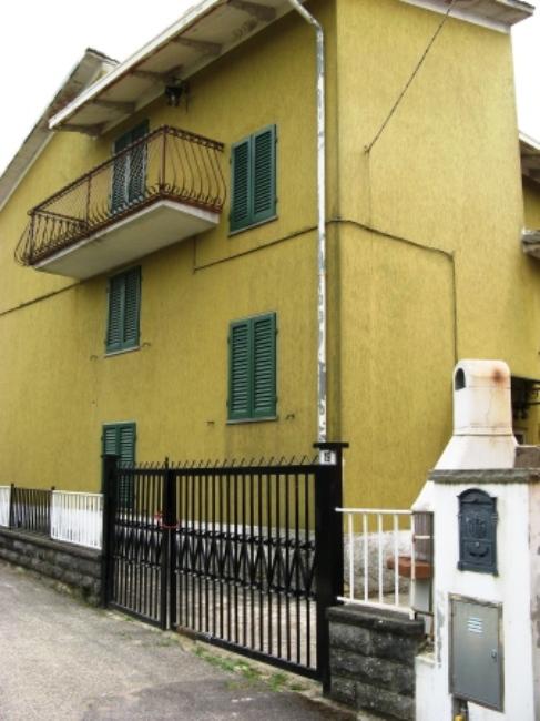 дом в Кареццо