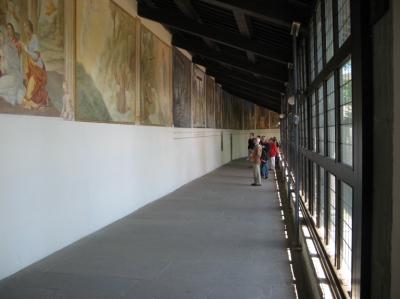 галерея с фресками в Ла Верна